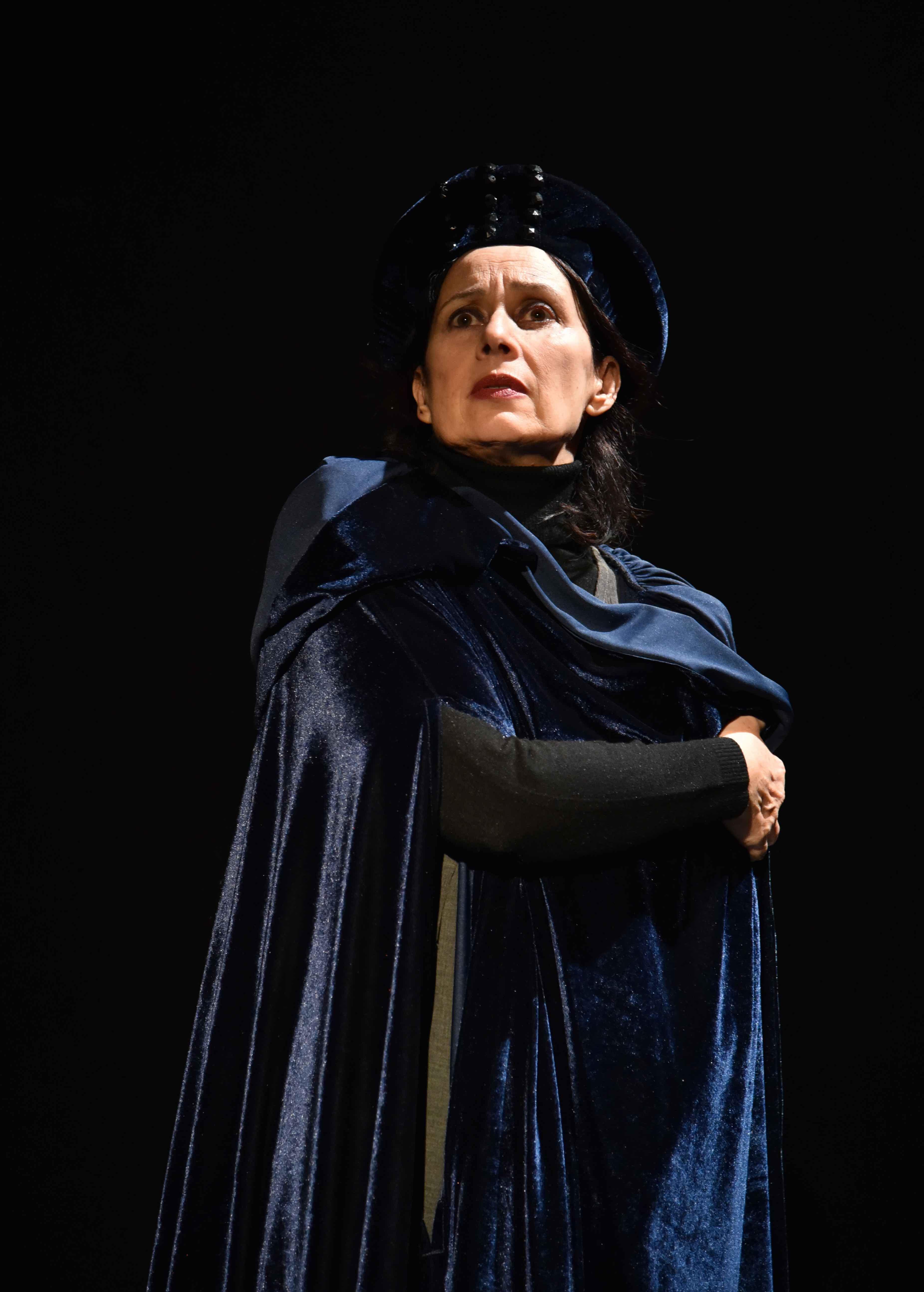 1. Cristina Borgogni interpreta Medea