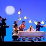 foto Luigi Cerati L'anima buona di Sezuan nella foto al centro Monica Guerritore e la compagnia